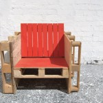 Three and a half pallet chair